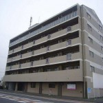 姫路東インター降りてすぐの大浴場付大型事務所物件。