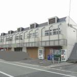 JR土山駅徒歩圏内、駐車場2台込みの店舗物件。