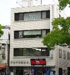 JR姫路駅近く、大手前通り沿いにある事務所物件。