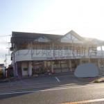 太子町、旧国道2号線沿いにある角部屋の店舗・事務所物件。