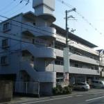 JR土山駅近く、駐車場1台込みの角部屋事務所物件。
