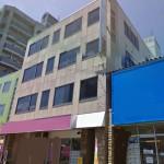 JR西明石駅近く、国道2号線沿いに建つ事務所物件。