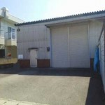 JR英賀保駅近く、専用トイレ付の倉庫物件。