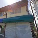 JR土山駅近く、2階建ての住宅付店舗物件。