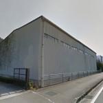 安富町、国道沿いにある専用トイレ付の大型倉庫物件。