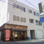 JR加古川駅すぐ、日当り良好な角部屋の店舗・事務所物件。