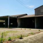 姫路市花田町、事務所付の大型倉庫物件。