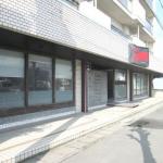 姫路バイパス中地IC南へすぐ、大型の1階店舗物件。