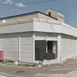 福崎町役場前、良く目立つ場所に建つ1階店舗・事務所物件。